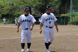 左・伊藤コーチ/右・鹿取監督(元巨人軍)